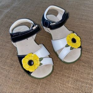 See Kai flower sandals size 9.5 in black/yellow